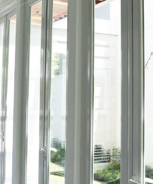 Folding-and-Pivot-Doors-2-500x600
